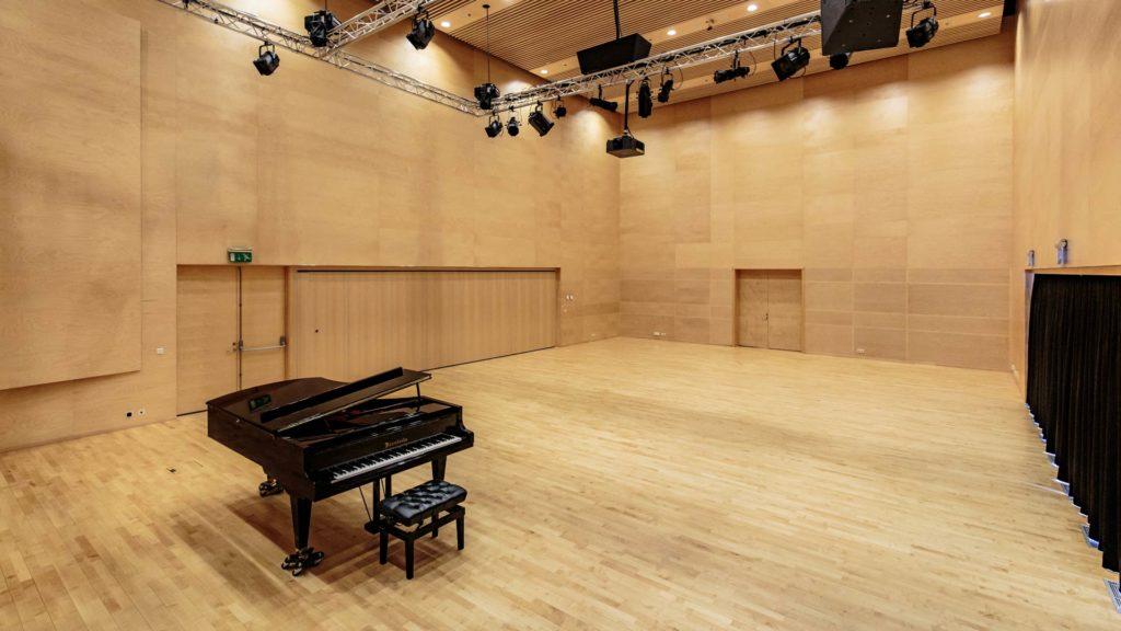 Medium Hall Hof